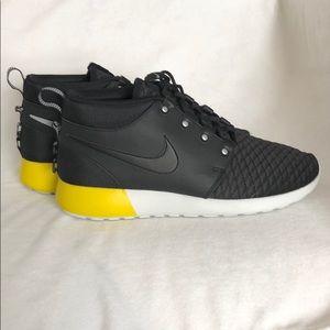 NIB Nike Roshe Run Sneakerboot Men's size 10